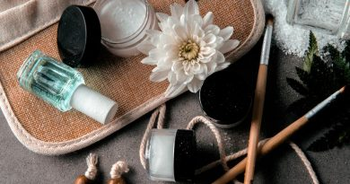 beauty products 925x 390x205 - Better Your Looks With Beauty Products