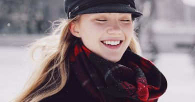 happiness in the snow and sunshine 925x 390x205 - Why Fashion Is Forever Changing