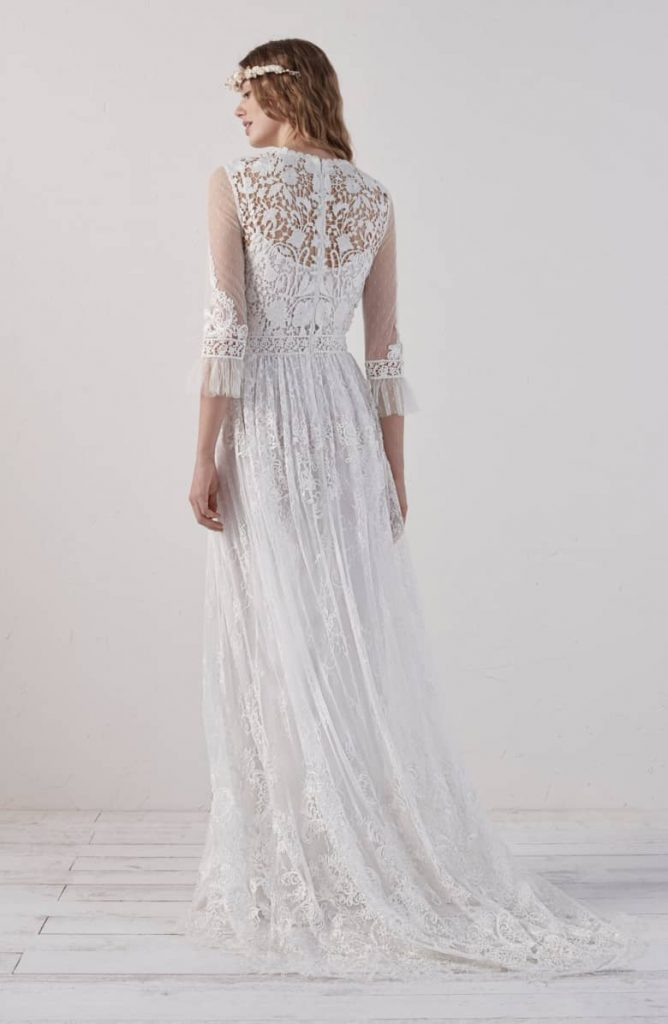 338dcec5 0a69 4b22 aee0 8d3f954c69d6 668x1024 - 17 Wedding Gowns Will Make You Get Lots Of Compliments And Feel Like A Princess