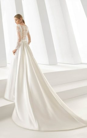 4aa6a8b4 e9ff 4c94 825b 52ba638bc521 285x450 - 17 Wedding Gowns Will Make You Get Lots Of Compliments And Feel Like A Princess