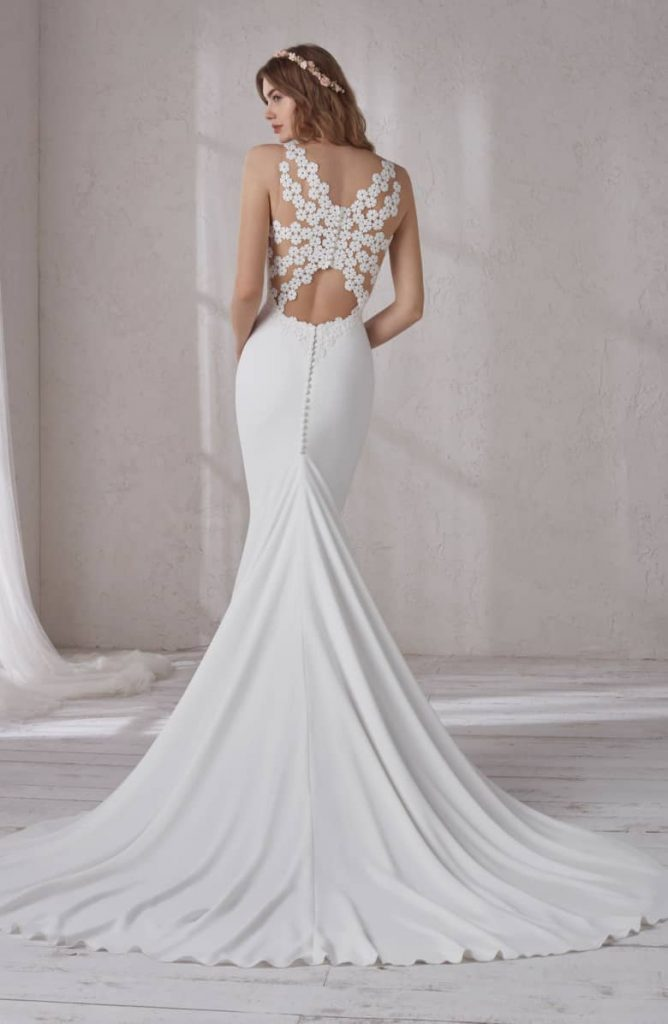 52b641a5 8710 49a7 ab43 880b2735e35a 668x1024 - 17 Wedding Gowns Will Make You Get Lots Of Compliments And Feel Like A Princess