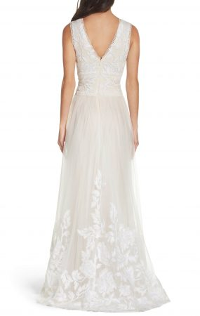 53487634 e365 4d51 8a7b 71f8d69803ef 285x450 - 17 Wedding Gowns Will Make You Get Lots Of Compliments And Feel Like A Princess