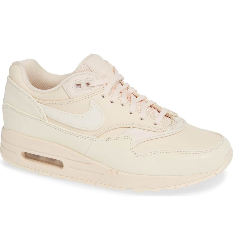 3a752240 799b 463a a0bd 8e49c0cb64cc 953x1024 - 15 Best Nike Sneakers for Woman 2019