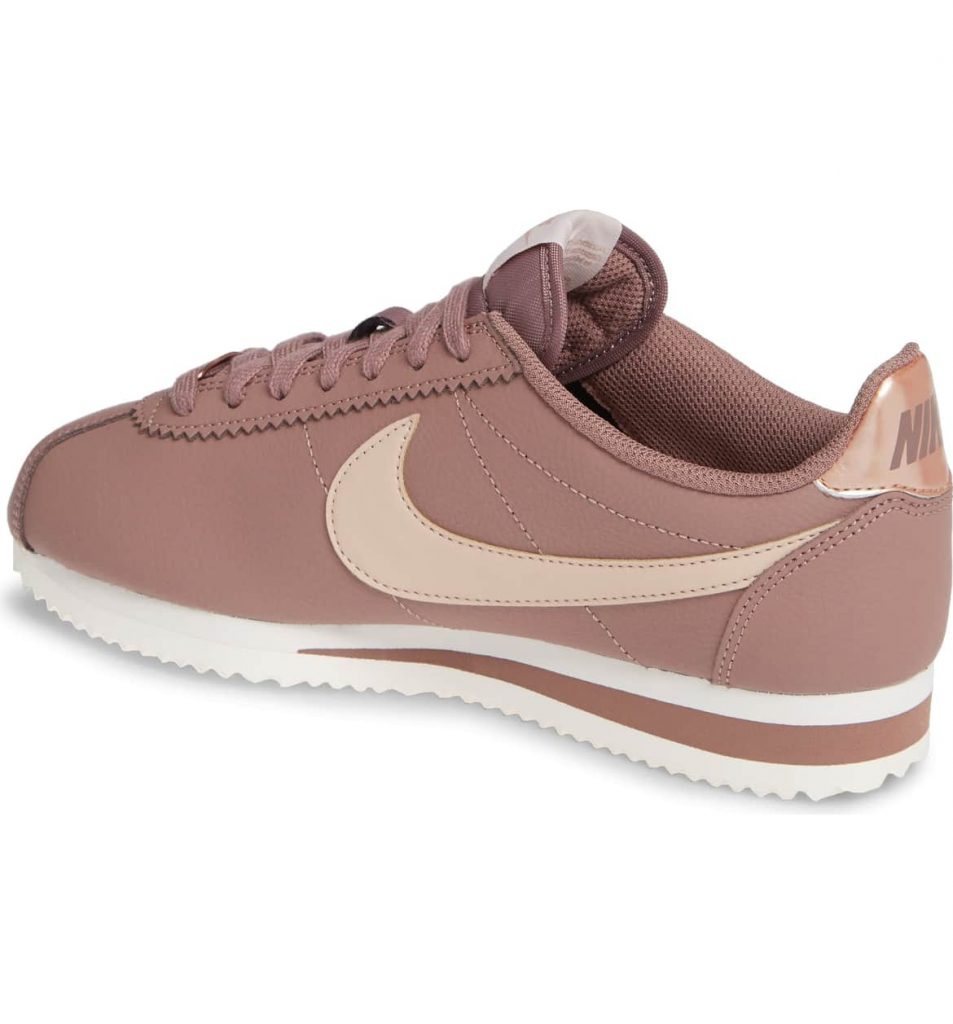 70f9303f ea44 4adc b162 d09904c3a3b6 953x1024 - 15 Best Nike Sneakers for Woman 2019