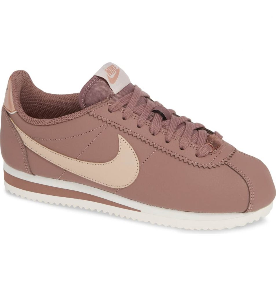 a3df34cb fe1d 4385 885e 2eba79289894 953x1024 - 15 Best Nike Sneakers for Woman 2019