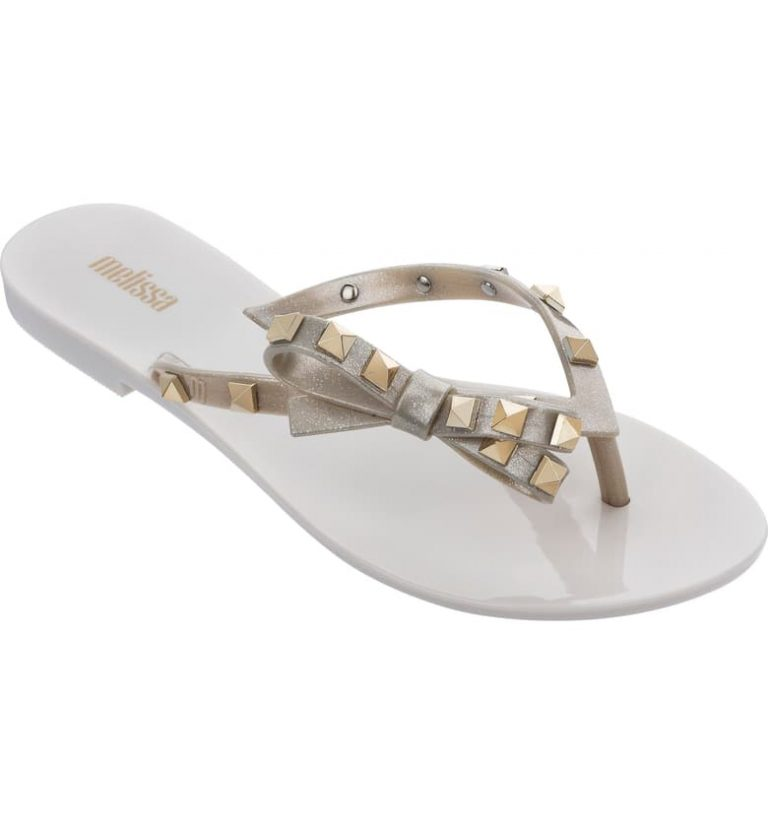 e7c24531 80ce 456e af27 3db5a0ea19db 768x825 - The 11 Most Popular Women's Flip-Flop Sandals in 2020