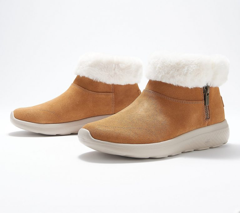 a386082 768x683 - The 10 Most Popular Faux-Fur Shoes Of This Season