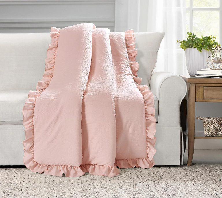h3963301 768x683 - 8 Value Discounted Blankets And Throws This Season