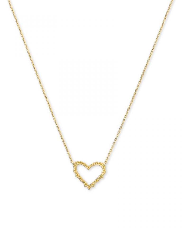 kendra scott sophee heart necklace gold 00 lg 1 768x960 - Necklaces Which Make Her Swoon Without A Hole In Your Pocket