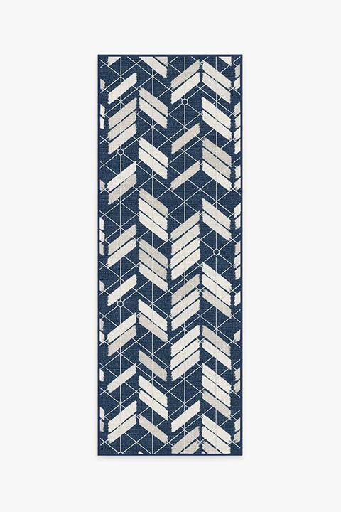 painted chevron navy A RC OD047 27 720x720 - 8 Outdoor Rugs That Will Beautify Your Home