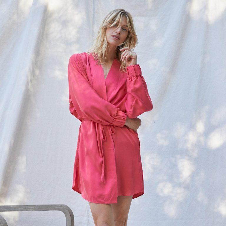 Lunya EnergizedPink Product 1 min d930f787 ef07 4bad b4c4 4b36922cf574 2048x2048 768x768 - 7 Beautiful And Versatile Women's Robe